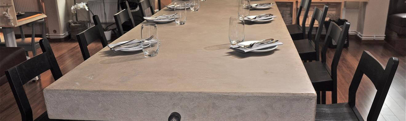 Enduit naturel Claystone sur table en stratifie