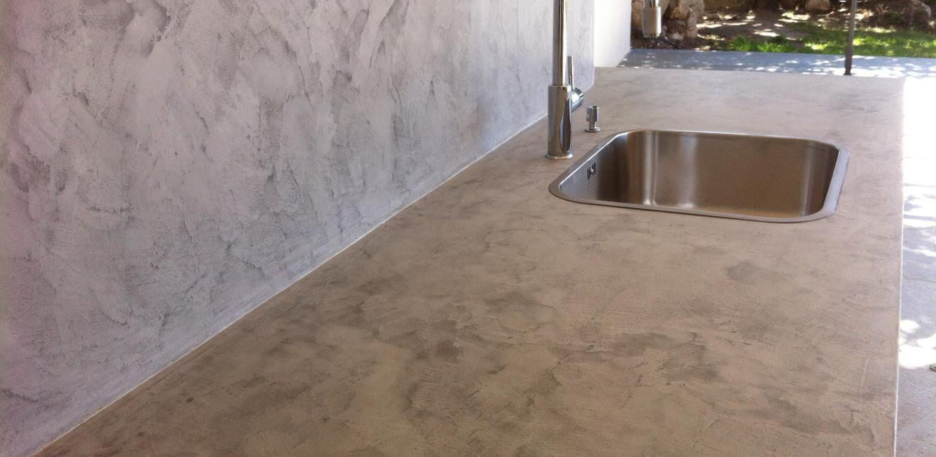 beton ciré argile Claystone sur mur et plan de travail